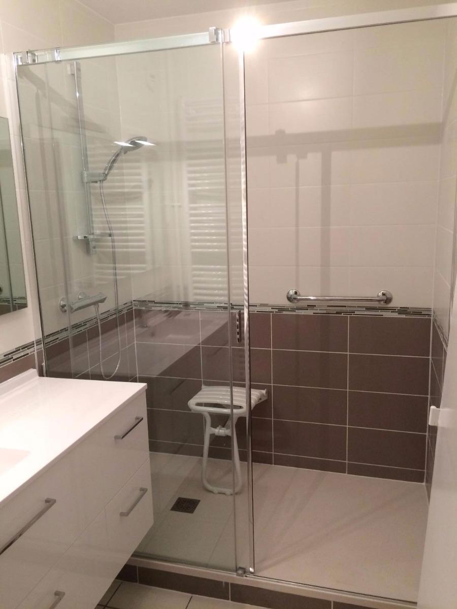 déco bains, à aubière, vous propose une salle de bains clés en main
