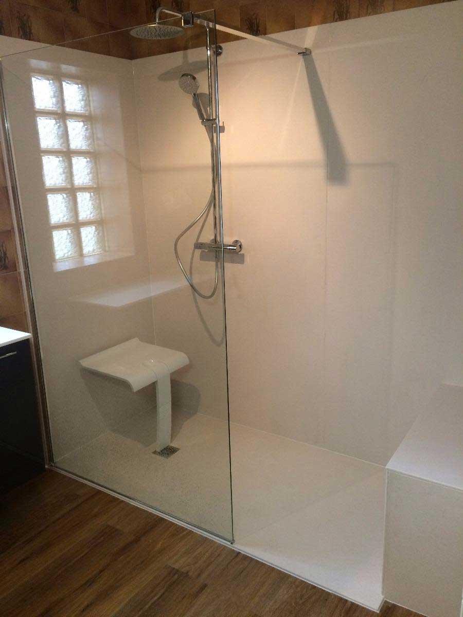 r novation compl te de salles de bains aubi re vers clermont ferrand. Black Bedroom Furniture Sets. Home Design Ideas